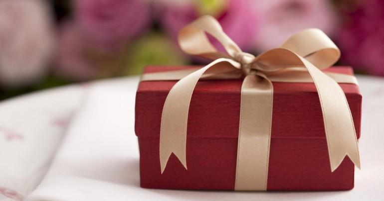 Как не ошибиться с подарком к празднику 8 марта и 23 февраля - статья Любови Богдановой