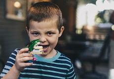 Учить ли ребёнка извиняться?